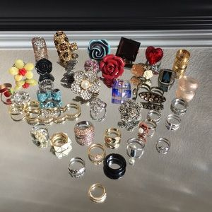HUGE COSTUME JEWELRY Ring Lot. 39 Rings!